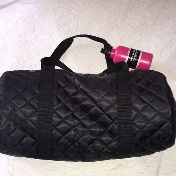 301549b1d48f Black Quilted Overnight Duffle Bag w  Water Bottle NWT
